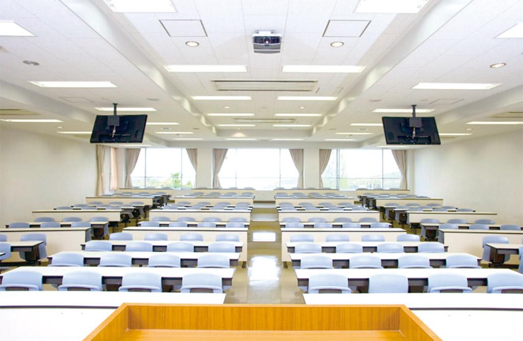 マルチメディア教室(大教室)